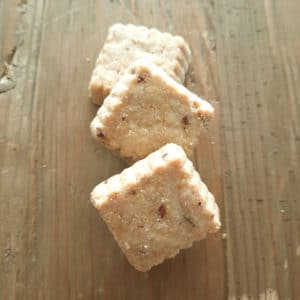 Biscuit salés au fromage et oignons
